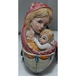 acquasantiera con madonna e bambino modello 2