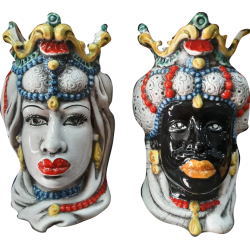 coppia teste di moro con gioielli